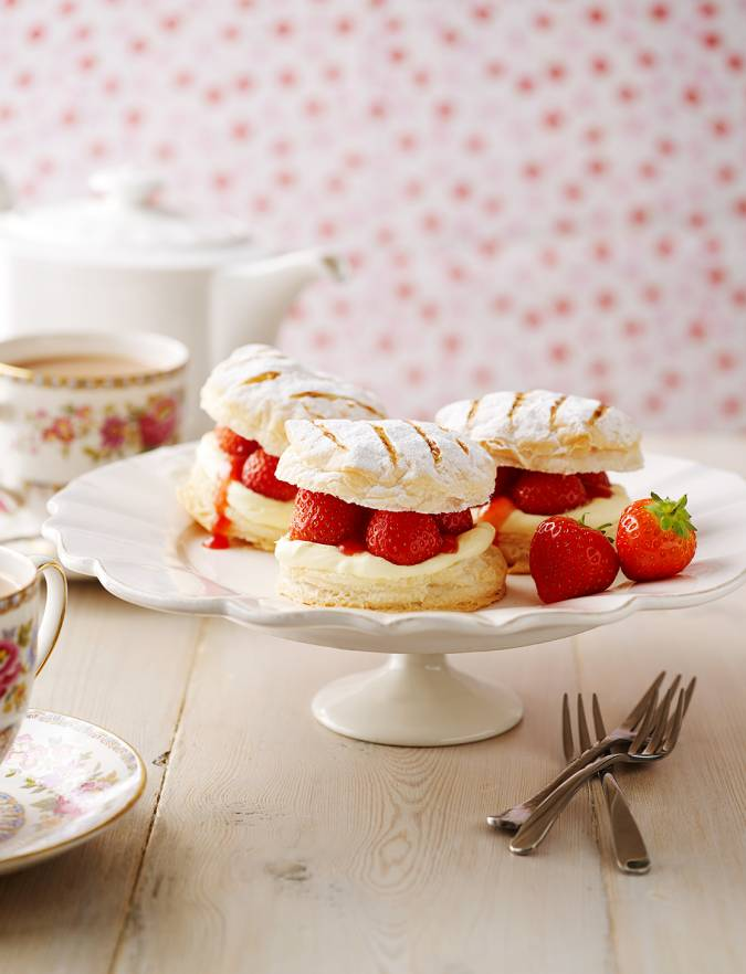 Recipe: Strawberry and cream mille-feuilles