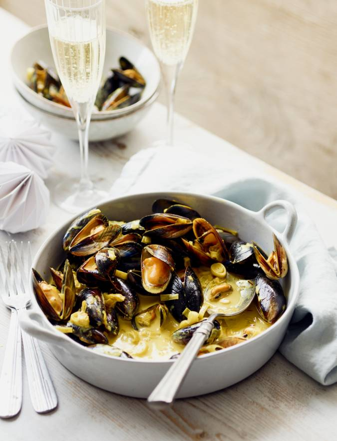 Recipe: Mussels in a spiced Champagne sauce