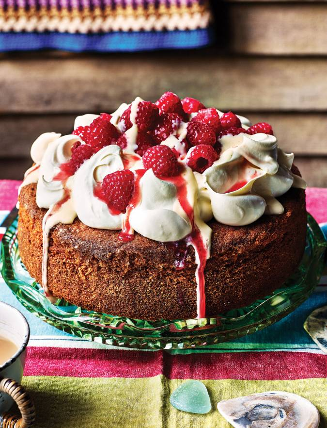 Recipe: Raspberry and custard poke cake