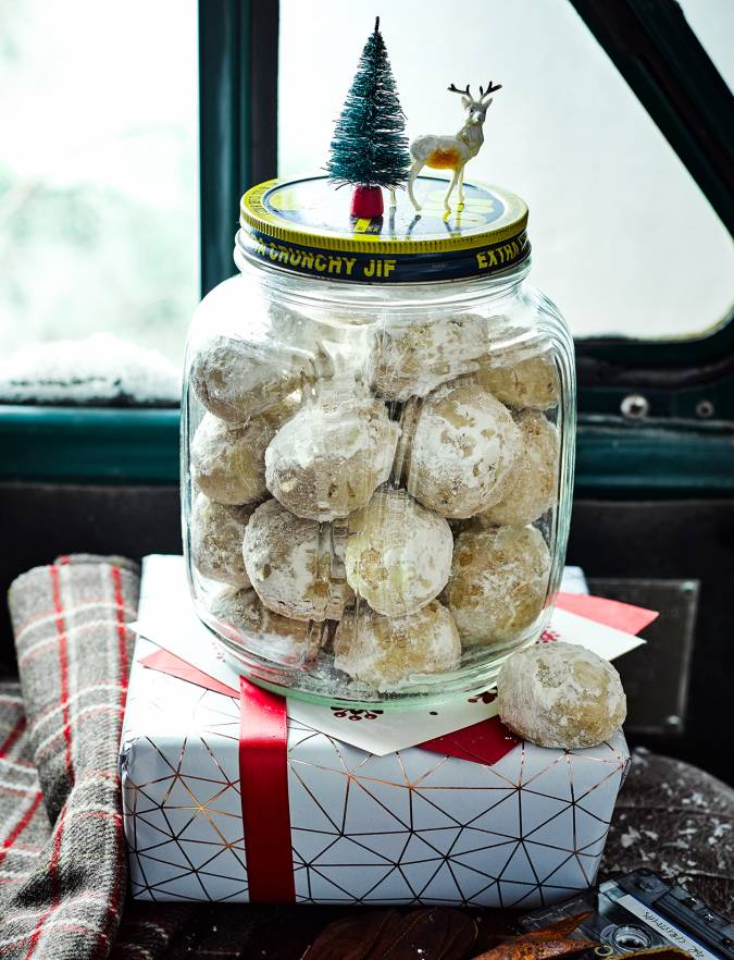 Recipe: Snowball cinnamon-pecan cookies