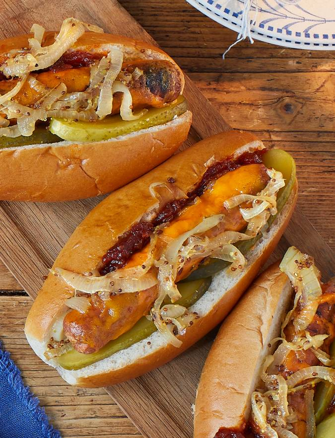 Recipe: Melting cheese dogs with mustard onions