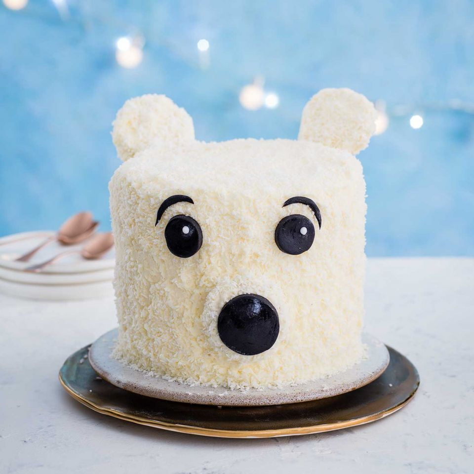 Christmas Cake Decorating Idea Make A Polar Bear Christmas Cake Sainsbury S Magazine
