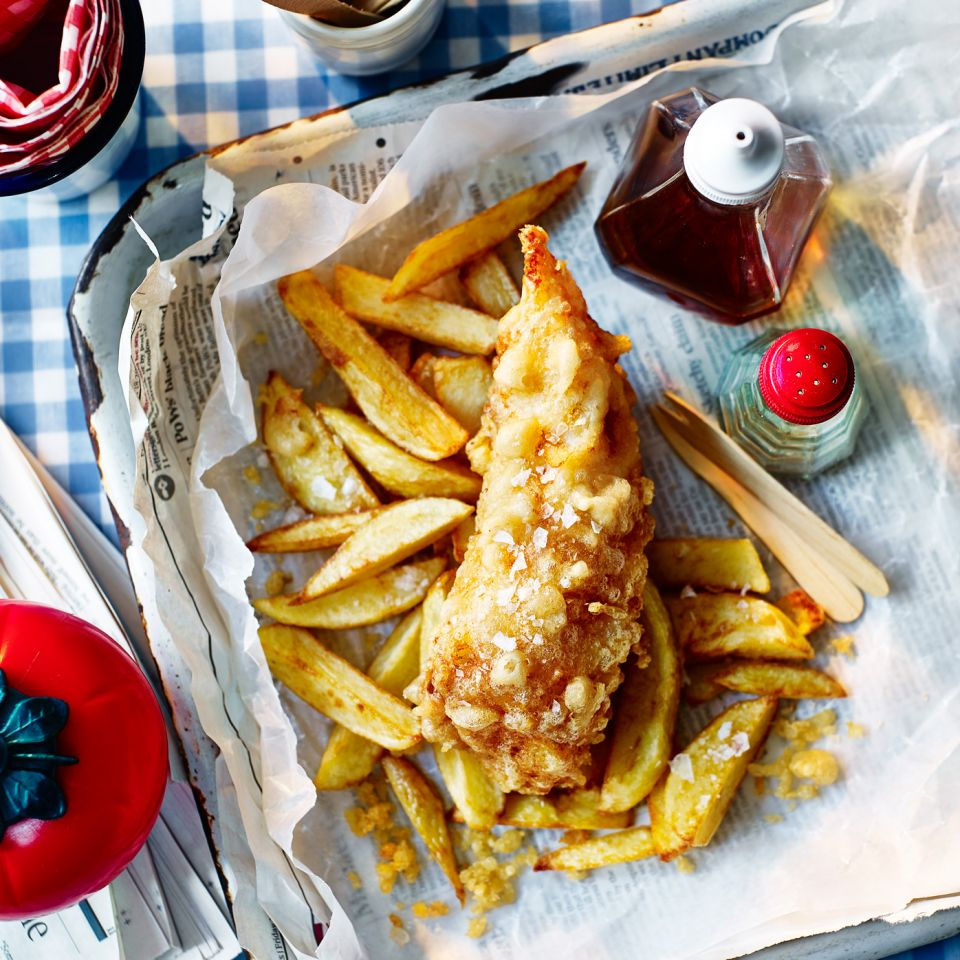 TEMPURA-BATTERED-FISH-AND-'CHIPPY-STYLE'-CHIPS