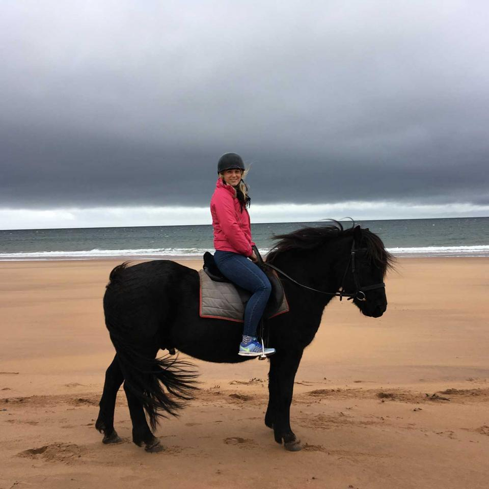 Hannah-on-her-horse-riding-trip