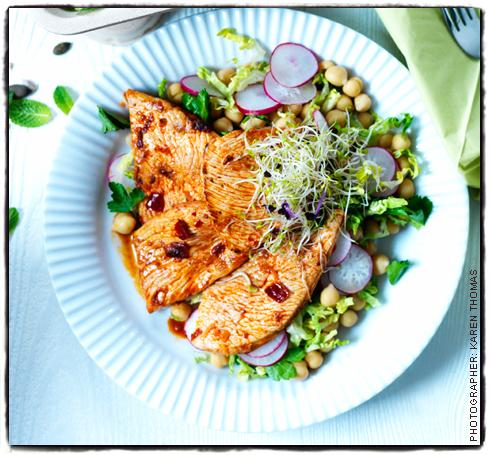 moroccan-turkey-and-chickpea-salad.jpg