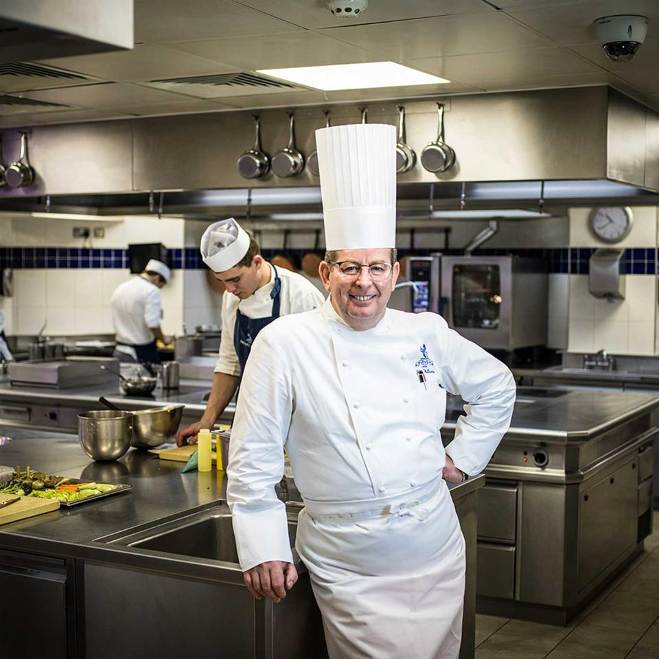 Executive-Chef-John-Williams-3-(2)