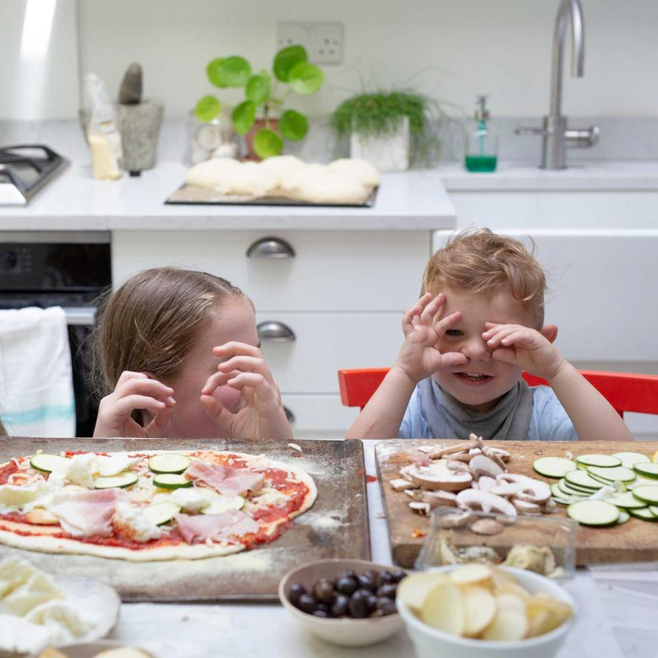 Easy-Homemade-Pizzas-3617