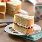 How To Stack A Victoria Sponge Wedding Cake